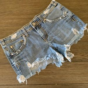 Cutoff denim jean distressed shorts